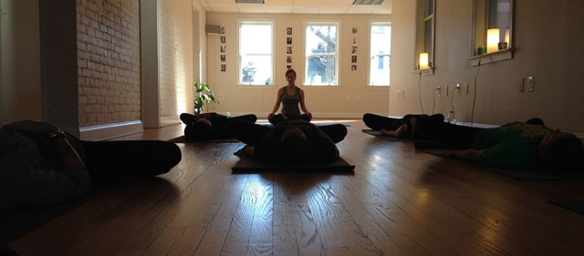 שיעורי יוגה - בפרטי או בקבוצה